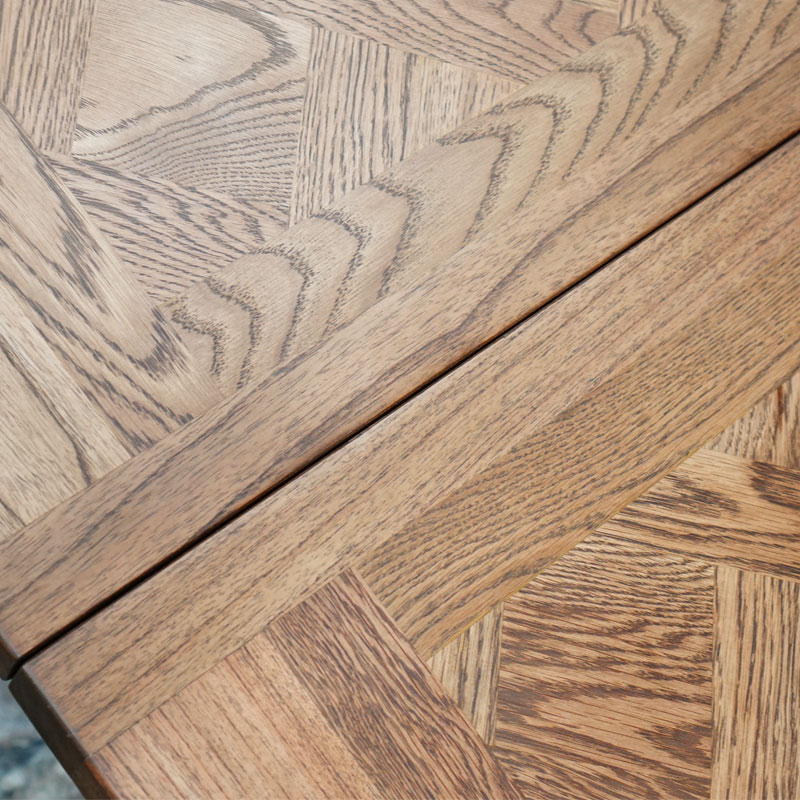 Deauville-Oak-Extension-Table-Detail