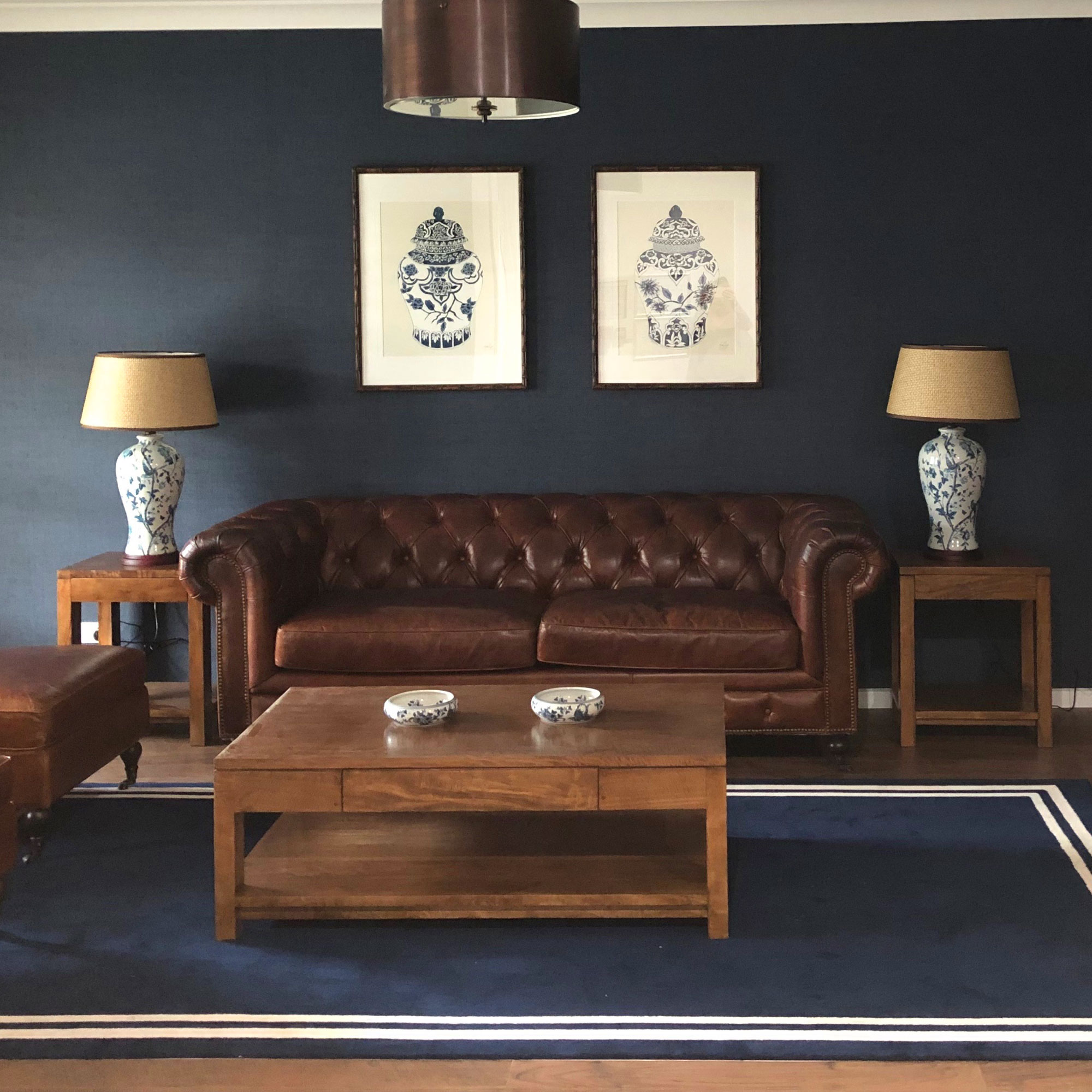 NEW-YORK-COFFEE-TABLE-WITH-SHELF-STYLED